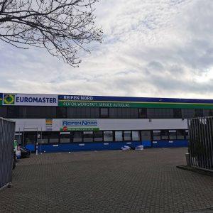 Komplette Werbeanlage in Köln bei Reifen Nord