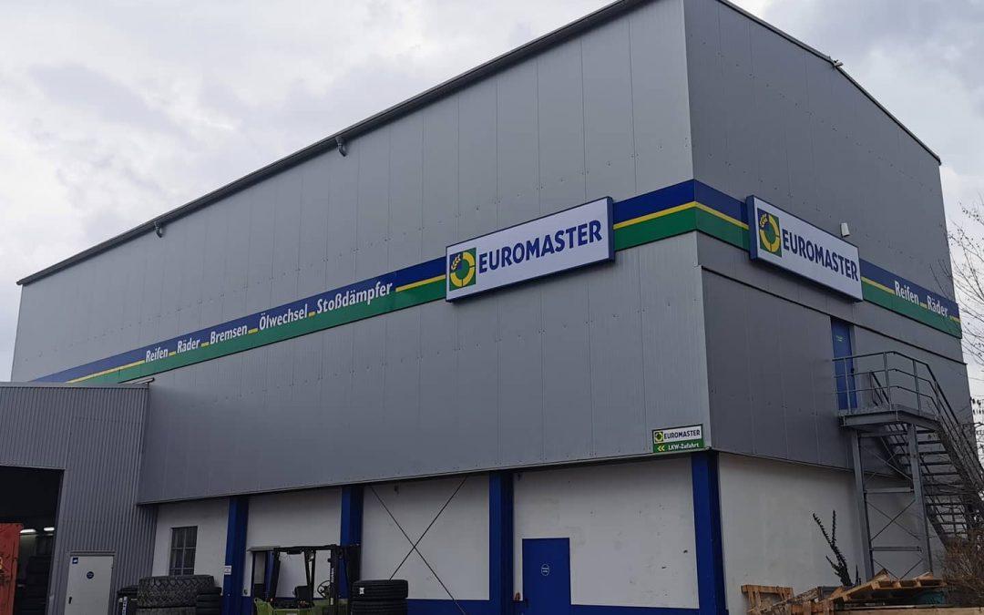 Werbeanlage in Gaimersheim bei Euromaster