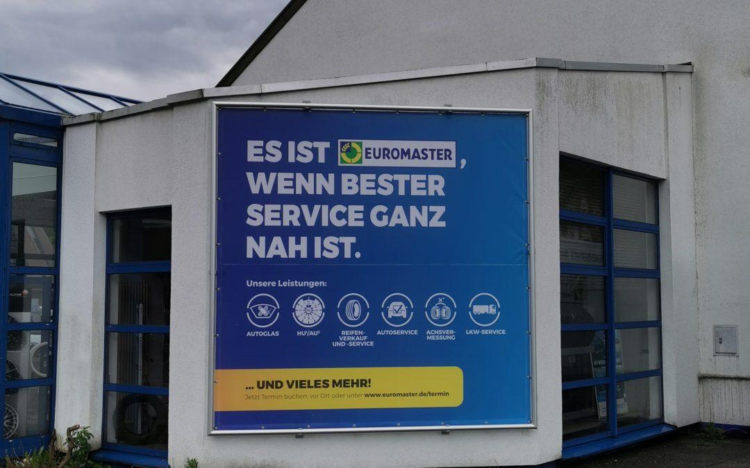 Werbeanlage in Hagen bei Euromaster komplett produziert und installiert.